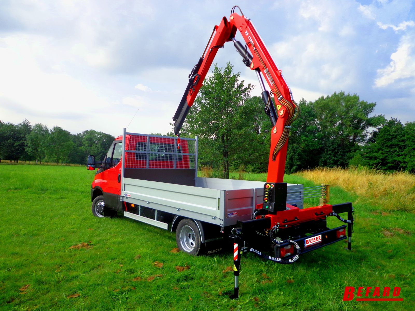 Inne rodzaje Żuraw HDS BEFARD na samochód dostawczy dla firm budowlanych KD07