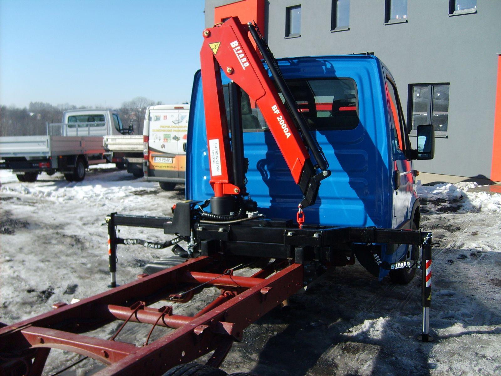 Chłodny Żuraw HDS BEFARD na samochód dostawczy dla firm budowlanych ZJ75